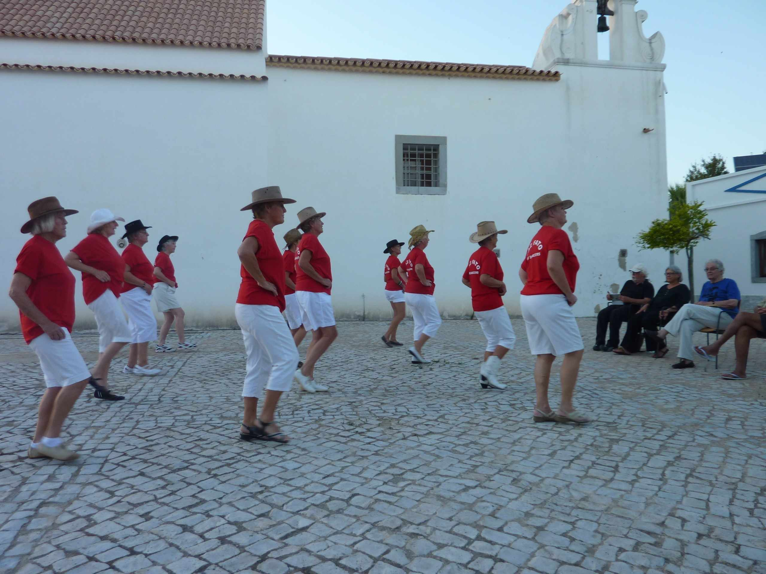 Faz Fato Line Dancers Performing in Largo do Santa Ana