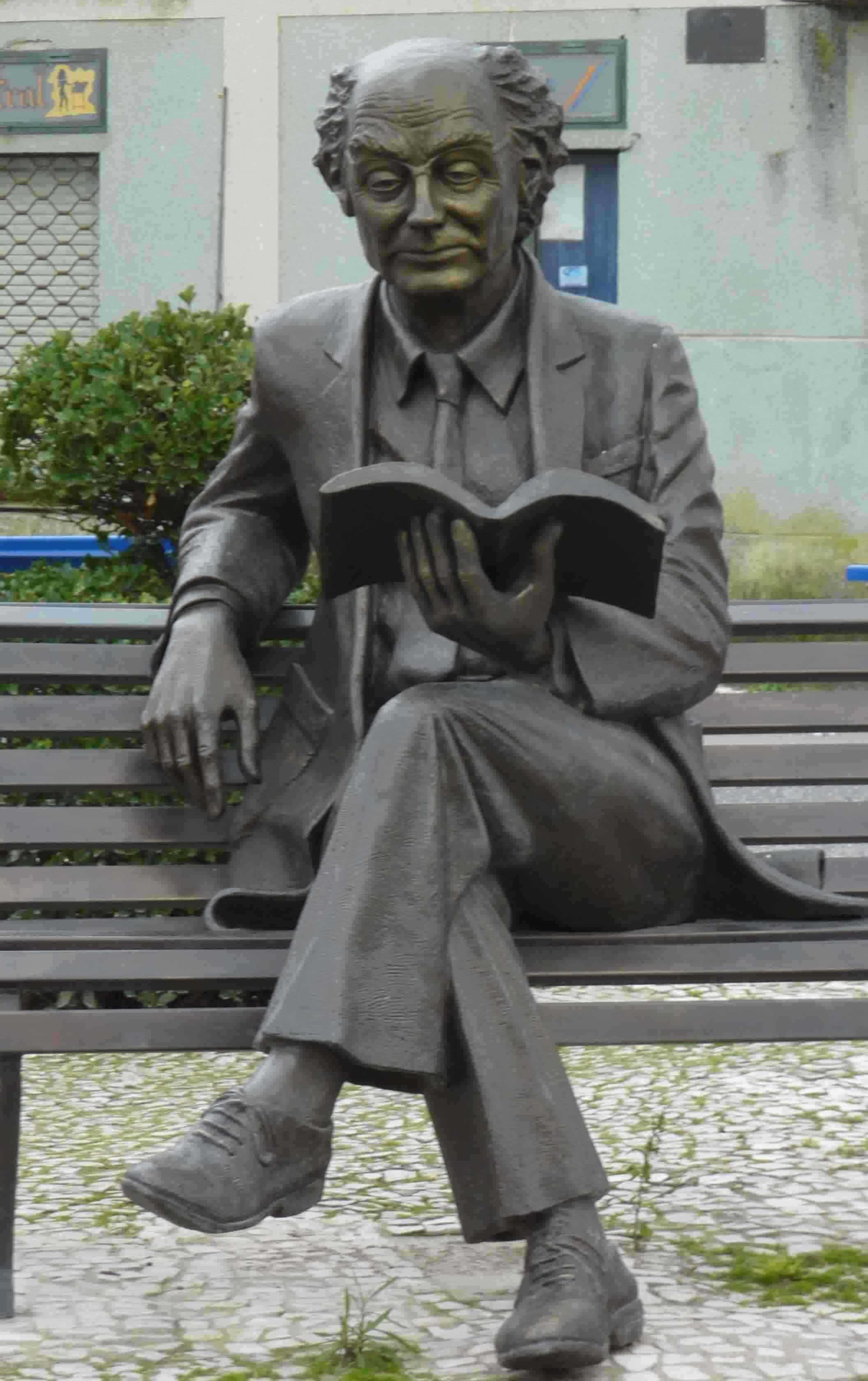 Sculpture of José Saramago in Azinhaga